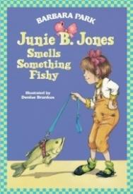 Junie B. Jones Smells Something Fishy (Junie B. Jones #12)