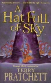A Hat Full of Sky (Tiffany Aching #2)