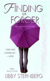 Finding the Forger (Bianca Balducci Mystery #2)